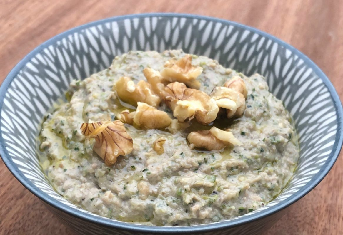 Courgette moutabal dip